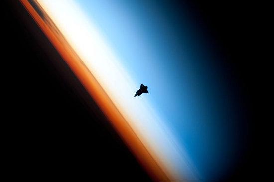 El Endeavour en la misión STS-130 fotografiado desde la ISS