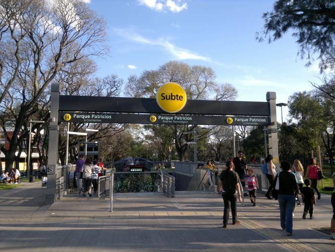 Estación Parque Patricios Línea H