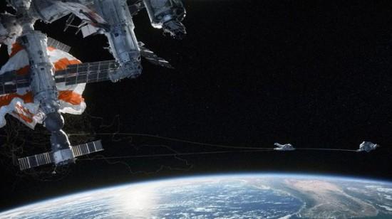 55-53958-gravity-teaser-1380823680