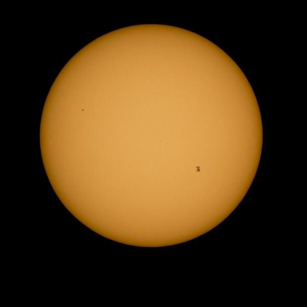 Estación Espacial Internacional y el Sol