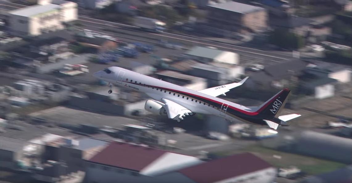 Vuelo inaugural para el primer avión comercial japonés