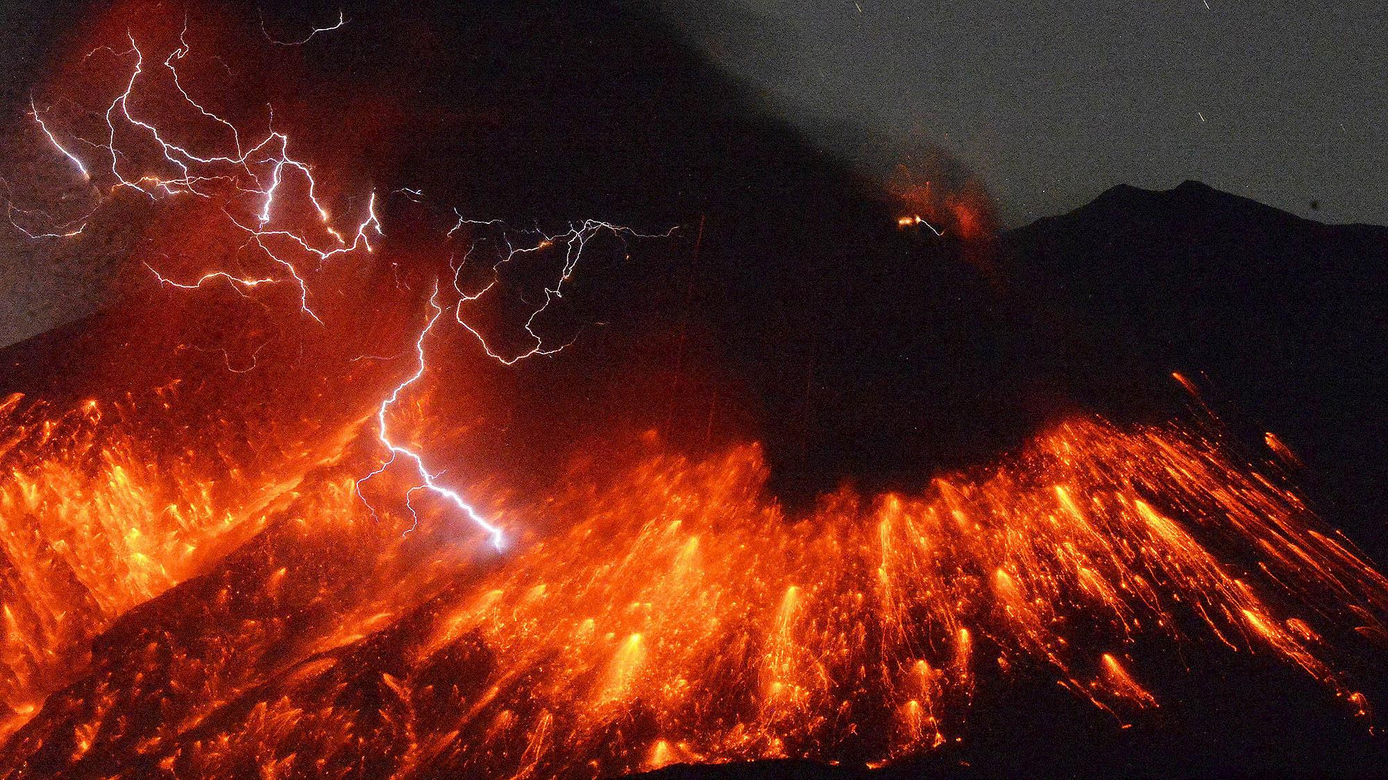 El volcán Sakurajima entró en erupción